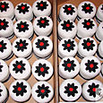 Individual Black and white Wedding cakes 3
