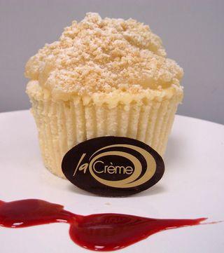 Baked Individual Apple Crumble Cheesecake