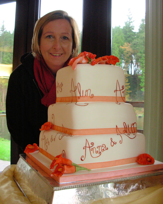 Sian with Alun and Anna's Wedding Cake