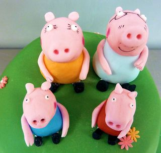 Pepper Pig & Family Cake toppers