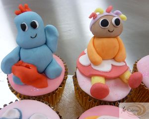 Iggle piggle and upsey daisy cup cakes S