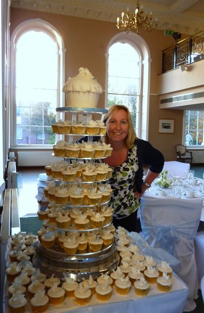 Sian & Butterfly wedding cup cakes