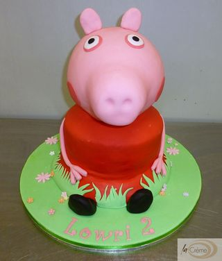 Peppa Pig Birthday Cake s