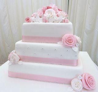 Oxwich Bay Hotel Wedding Cake La Creme Patisserie Blog