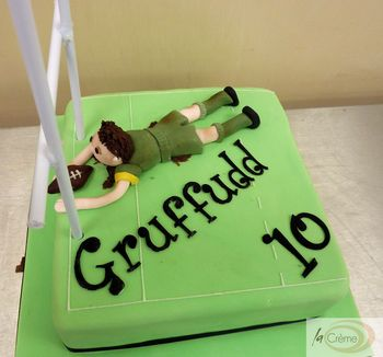 Rugby 10th Birthday Cake s