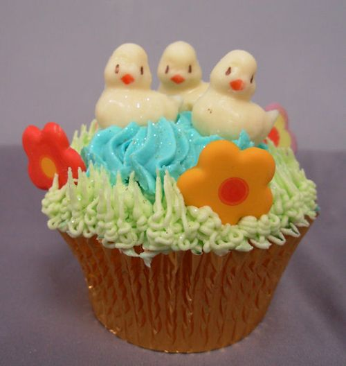 Cup Cakes: La Creme Cup cake with ducks