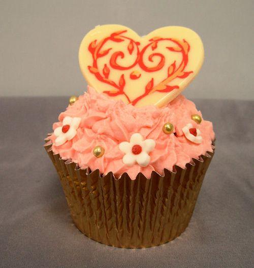 La Creme Heart Cup Cake