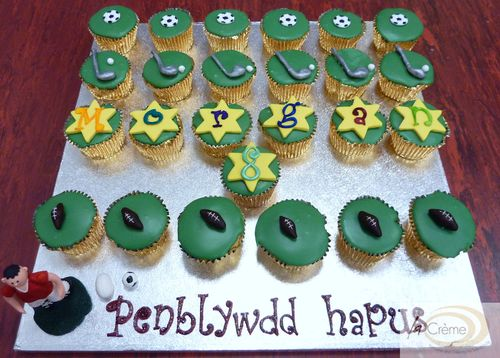La Creme Sporty birthday cup cakes