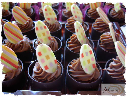 Chocolate cup patisserie